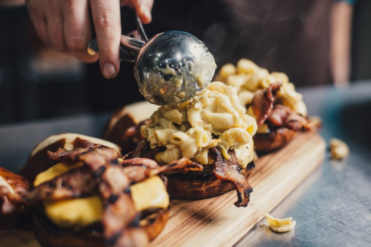 Bacon Mac n Cheese Burgers